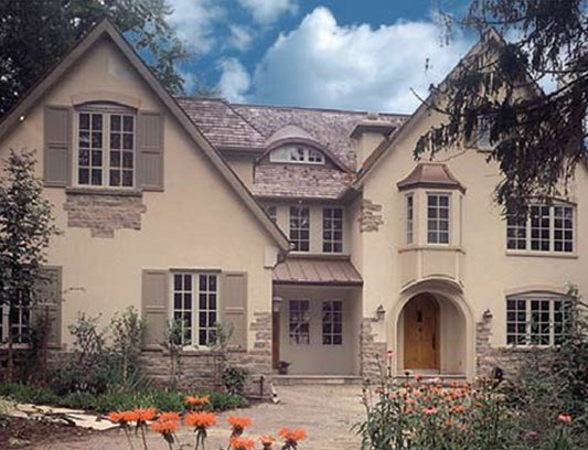 Classic House Exterior Design with Stucco Decor by Exterior by Design Thornhill