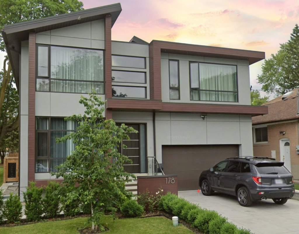 Custom Exterior with Luxury Stucco Decor Richmond Hill